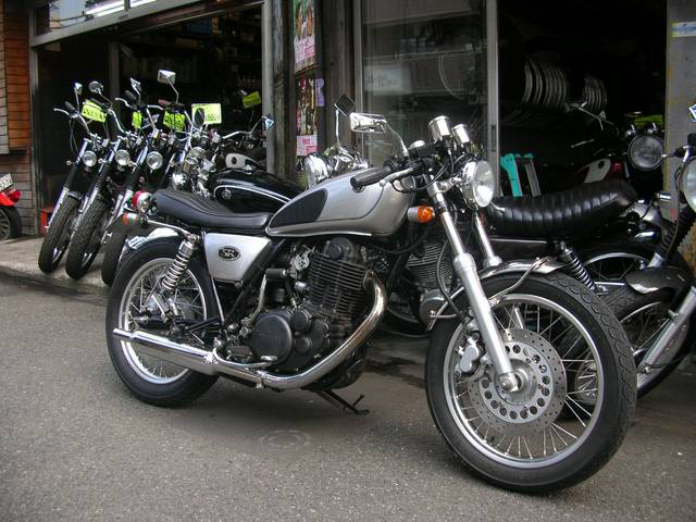 自転車の 自転車 フレーム カスタムペイント : SR400,ゼファー,ドラッグスター ...